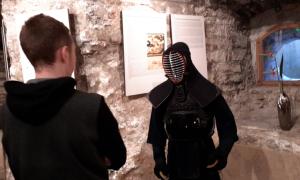 Kiek in de Kökis tutvumas samurai varustusega